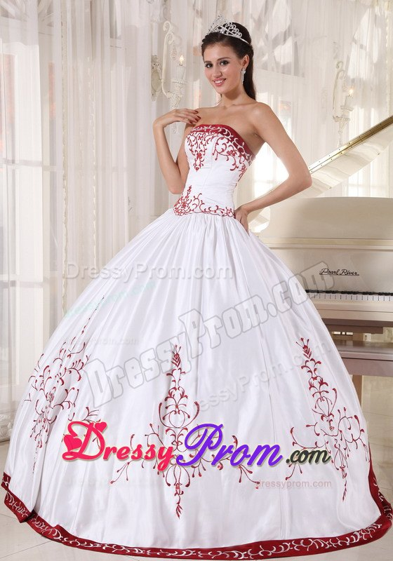 White Strapless Sweet 16 Dresses Embroidery Lace up Back