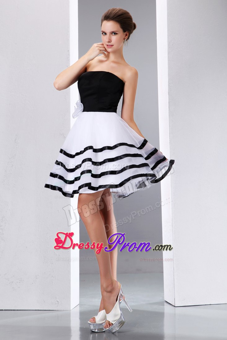 A-line Knee-length Hand Flower Prom Dress in Black and White