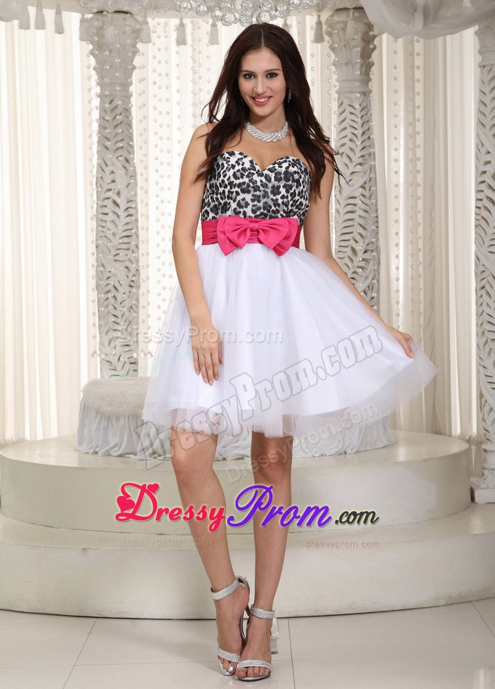 Sweetheart White Prom Cocktail Dress With Hot Pink Bowknot