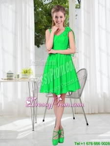 Elegant A Line Straps Green Dama Dresses with Hand Made Flowers
