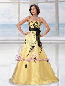 Pretty A Line Yellow Strapless Prom Dress with Appliques