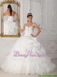 2016 Exclusive Beading Sweetheart Quinceanera Gowns in White