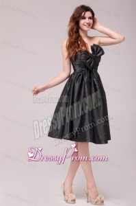 Black Sweetheart Ruching Taffeta Knee-length Prom Dress