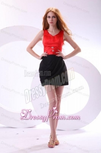 Discount Column V-neck Column Black and Red Prom Dress with Ruching