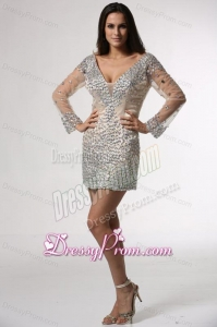 Champagne Column V-neck Long Sleeves Prom Dress with Beading