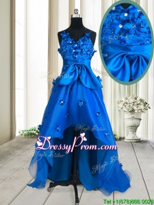 Pretty V Neck Applique and Beaded Bowknot Royal Blue Prom Dress in High Low