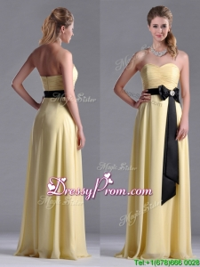 2016 Beautiful Sweetheart Yellow Prom Dress with Ruching and Black Bowknot