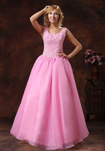 Princess Scoop Neck Appliqued Prom Gown Dress in Rose Pink