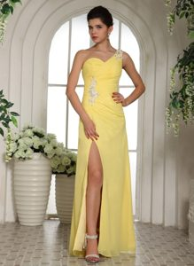 Yellow One Shoulder Prom Party Dress Beading and Ruches with High Slit