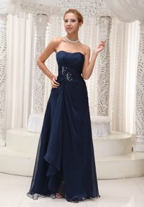 Chiffon Navy Blue Strapless Prom Bridesmaid Dresses Beading and Ruche