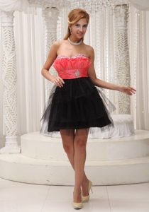 Lovely Tulle Red and Black Prom Gown with Ruche Beading Mini-length