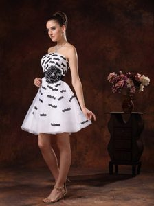 White Prom Cocktail Dress with Black Appliques for Cheap