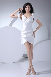 2013 White V-neck Asymmetricl Edge Prom Dress with Jacket