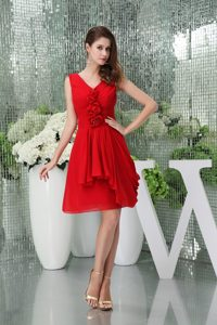 Ruches and Flowers Accent Red Chiffon Prom Gown Dress of V-neck