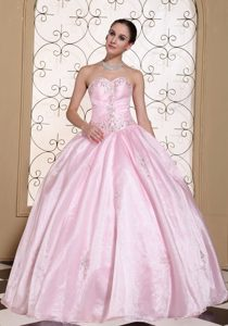 Lovely Pink Sweetheart Beaded Quinceanera Gowns for Sao Goncalo