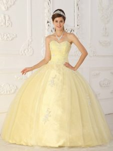 Light Yellow Ball Gown Sweetheart Quinceanera Dress Appliques Tulle