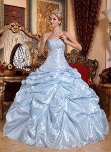 Fortaleza Beaded Quinceanera Gown Dresses Sweetheart with Appliques