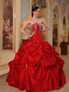 Red Pick-ups Strapless Beading and Embroidery Dresses For a Quince