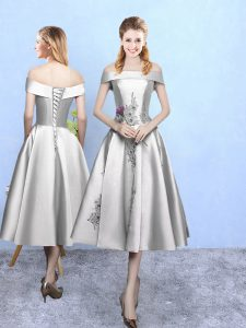 Off The Shoulder Sleeveless Dama Dress for Quinceanera Tea Length Appliques Silver Taffeta