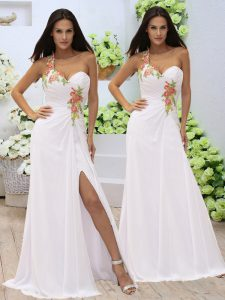 Fitting White Column/Sheath Sweetheart Sleeveless Elastic Woven Satin Floor Length Zipper Appliques and Ruching Prom Evening Gown