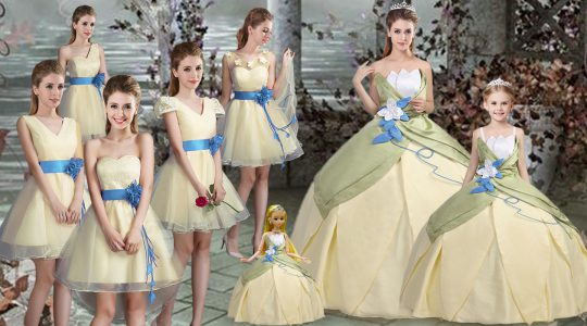 Flare Light Yellow Lace Up Scalloped Hand Made Flower Vestidos de Quinceanera Satin Sleeveless
