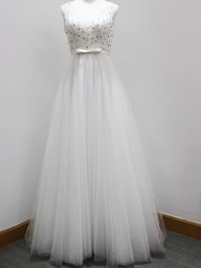 White A-line Tulle V-neck Sleeveless Beading and Belt Zipper Quinceanera Dama Dress Brush Train