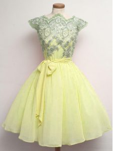 Yellow Chiffon Lace Up Scalloped Cap Sleeves Knee Length Court Dresses for Sweet 16 Lace and Belt