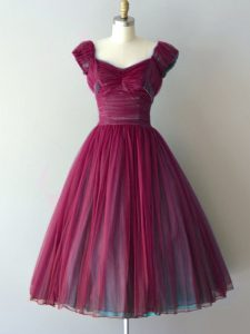 Classical Chiffon V-neck Cap Sleeves Lace Up Ruching Quinceanera Court of Honor Dress in Burgundy