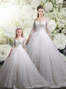 Best Selling White Ball Gowns Tulle Off The Shoulder Half Sleeves Lace Zipper 15 Quinceanera Dress Chapel Train