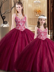 Chic Wine Red Tulle Lace Up V-neck Sleeveless Floor Length Quinceanera Gowns Lace