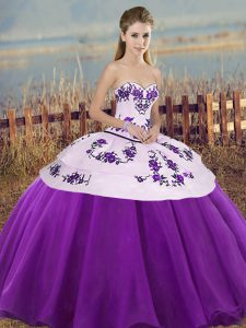 Luxury Sweetheart Sleeveless Quinceanera Dresses Floor Length Embroidery and Bowknot White And Purple Tulle