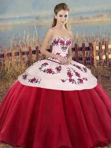 On Sale White And Red Quinceanera Dresses Military Ball and Sweet 16 and Quinceanera with Embroidery and Bowknot Sweetheart Sleeveless Lace Up