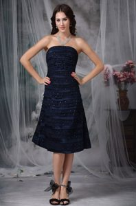 Navy Blue Bridesmaid Dress with Knee-length in Satin and Lace