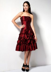 Burgundy A-line Strapless Knee-length Pick-ups Prom Dress