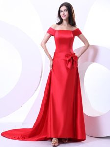 Off The Shoulder Red Prom Dresses With Bowknot and Brush Train