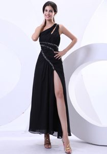 Black High Slit Beading Prom Gown One Shoulder Ankle-length