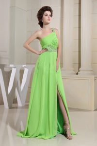 Spring Green One Shoulder Slit Ruch and Beading Decorate prom Dress