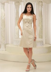 Champagne Appliques Knee-length Prom Dress With Bowknot Straps