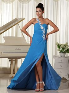 Appliques Decorate One Shoulder Sky Blue High Slit Prom Dress Train