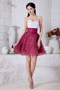 Sweetheart A-line Organza Beading Mini-length Grad Dresses in Burgundy