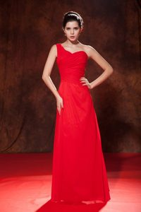Cheap Chiffon Red Empire One Shoulder Ruch Prom Dresses