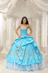 One Shoulder Aqua Embroidery Floor-length Quinceanera Dress With Beading