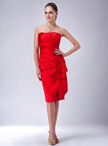 Knee-length Strapless Red Satin Prom Dress in County Durham
