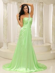 Plus Size Yellow Green One Shoulder Ruching Prom Dress Beaded