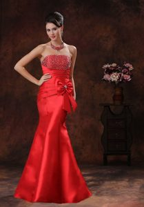 Strapless Mermaid Red Satin Prom Dress with Bowknot and Beads