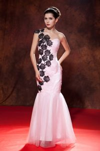 Mermaid One Shoulder Appliqued Baby Pink Prom Gown Dress