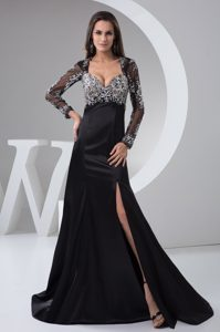 Long Sleeves Slitted Black Dress for Prom with Rhinestones
