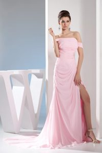 Off The Shoulder Slitted Pink Prom Dress for Girls Court Train