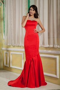 Beautiful Satin Mermaid Prom Dress for Ladies in Red Brush Train
