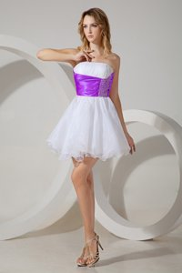 Custom Designed Strapless Sleeveless Zipper Vestidos de Damas White And Purple Organza